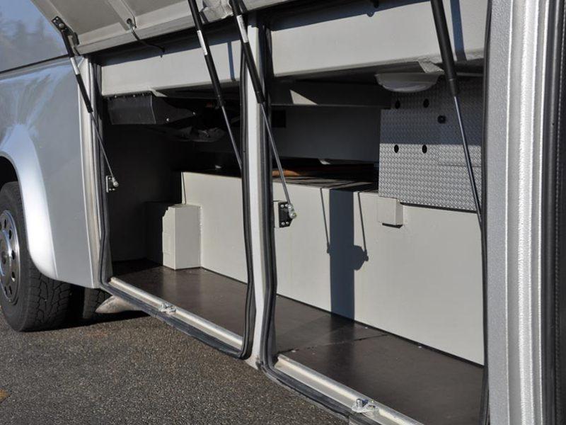 Noleggio Mercedes Benz Ibis 616 Bagagliera